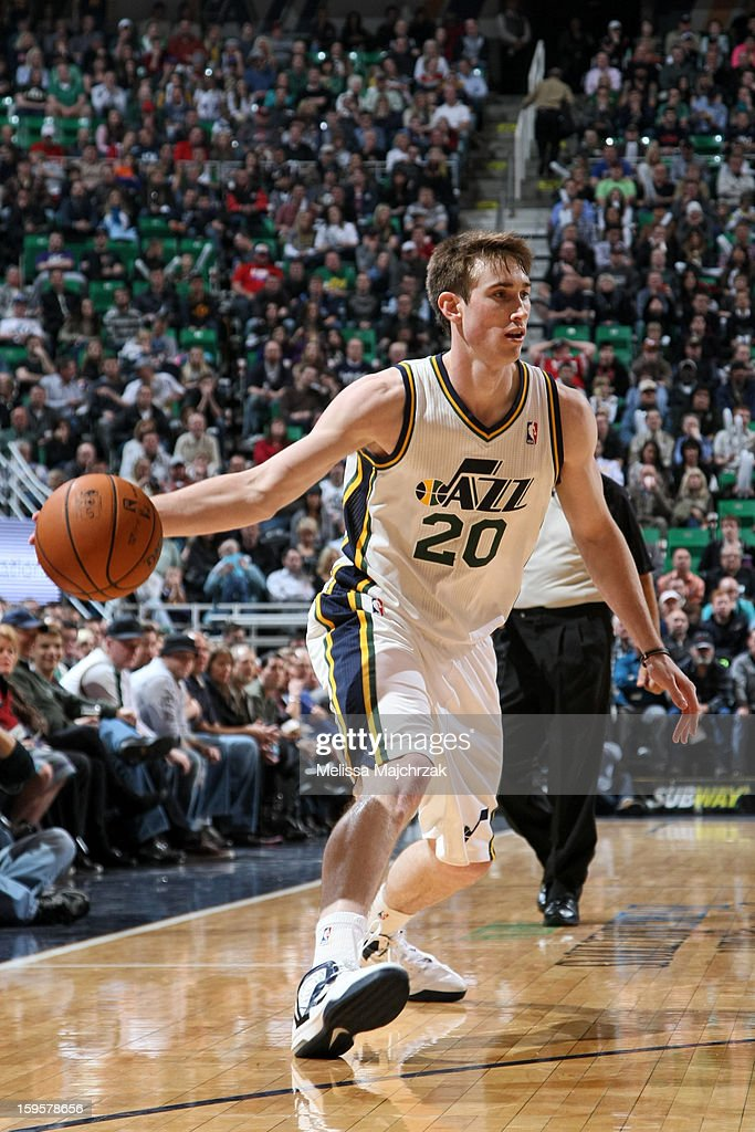 <a gi-track='captionPersonalityLinkClicked' href=/galleries/search?phrase=Gordon+Hayward&family=editorial&specificpeople=5767271 ng-click='$event.stopPropagation()'>Gordon Hayward</a> #20 of the Utah Jazz passes the ball against the Dallas Mavericks on January 7, 2013 in Salt Lake City, Utah.