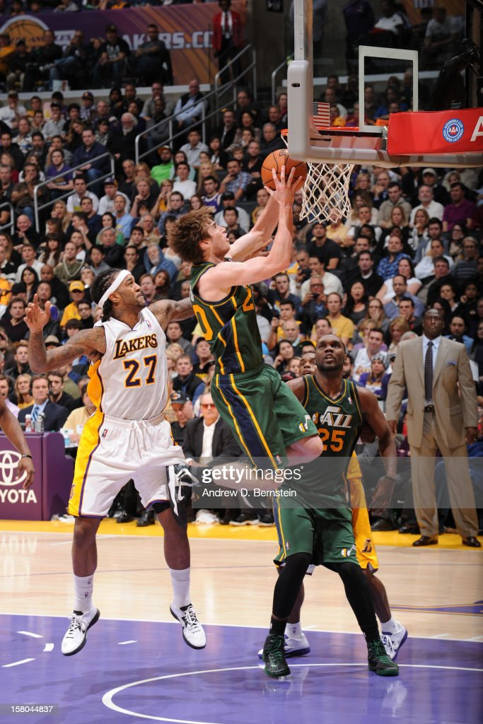 Gordon Hayward #20 of the Utah Jazz shoots against the Los Angeles Lakers at Staples Center on December 9, 2012 in Los Angeles, California.