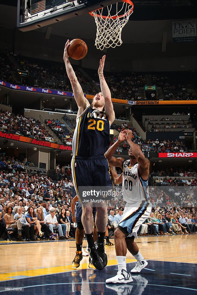 <a gi-track='captionPersonalityLinkClicked' href=/galleries/search?phrase=Gordon+Hayward&family=editorial&specificpeople=5767271 ng-click='$event.stopPropagation()'>Gordon Hayward</a> #20 of the Utah Jazz shoots against the Memphis Grizzlies on April 17, 2013 at FedExForum in Memphis, Tennessee.