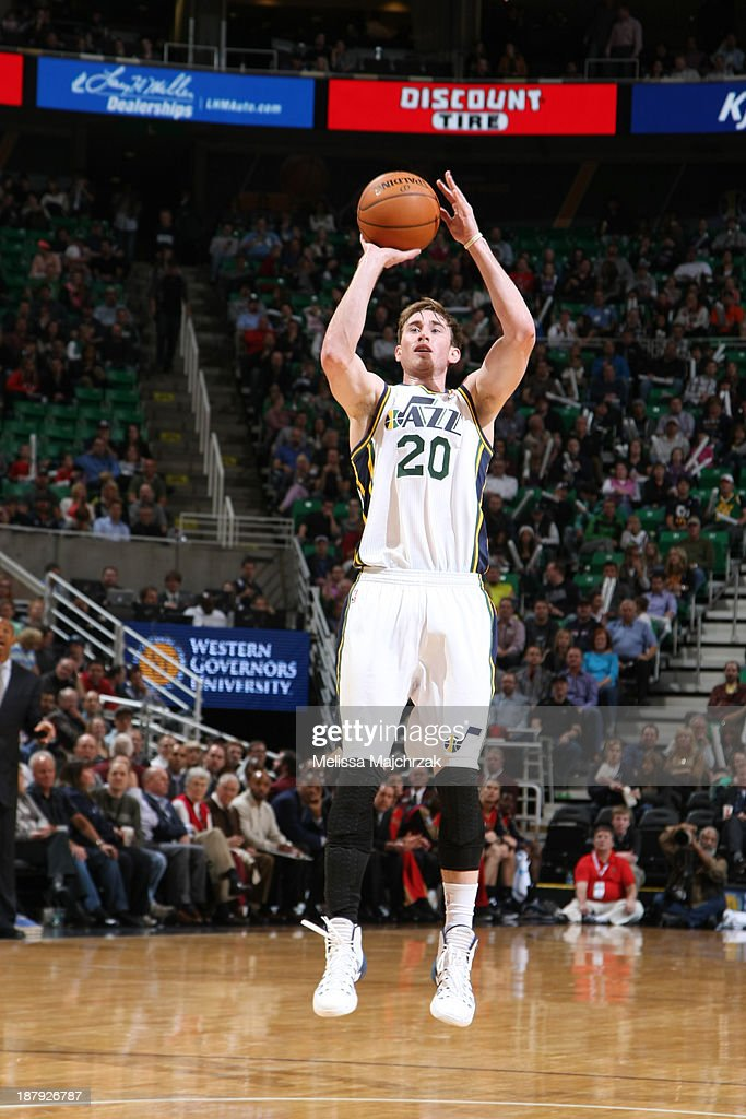 <a gi-track='captionPersonalityLinkClicked' href=/galleries/search?phrase=Gordon+Hayward&family=editorial&specificpeople=5767271 ng-click='$event.stopPropagation()'>Gordon Hayward</a> #20 of the Utah Jazz shoots against the New Orleans Pelicans at EnergySolutions Arena on November 13, 2013 in Salt Lake City, Utah.