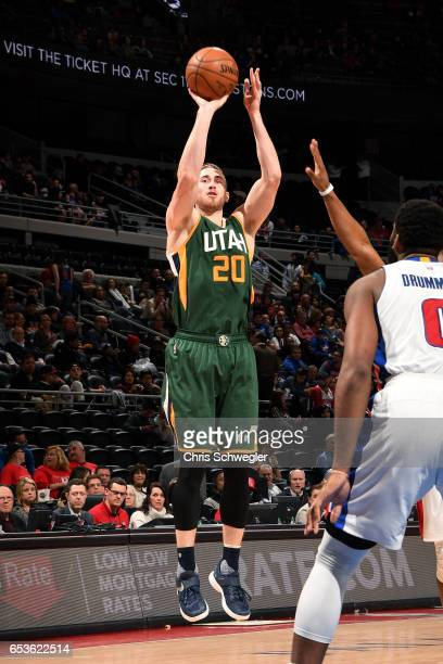 Gordon Hayward of the Utah Jazz shoots the ball during the game against the Detroit Pistons on March 15 2017 at The Palace of Auburn Hills in Auburn...