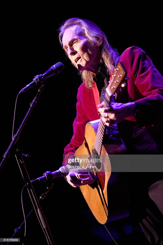 Gordon Lightfoot performs at the Brown Theatre on March 14, 2016 in Louisville, Kentucky.