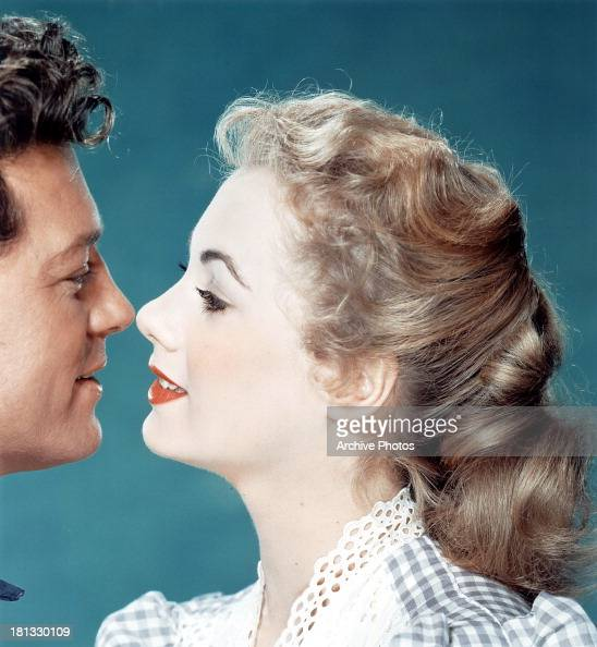 Gordon MacRae and Shirley Jones in publicity portrait for the film 'Oklahoma' 1955