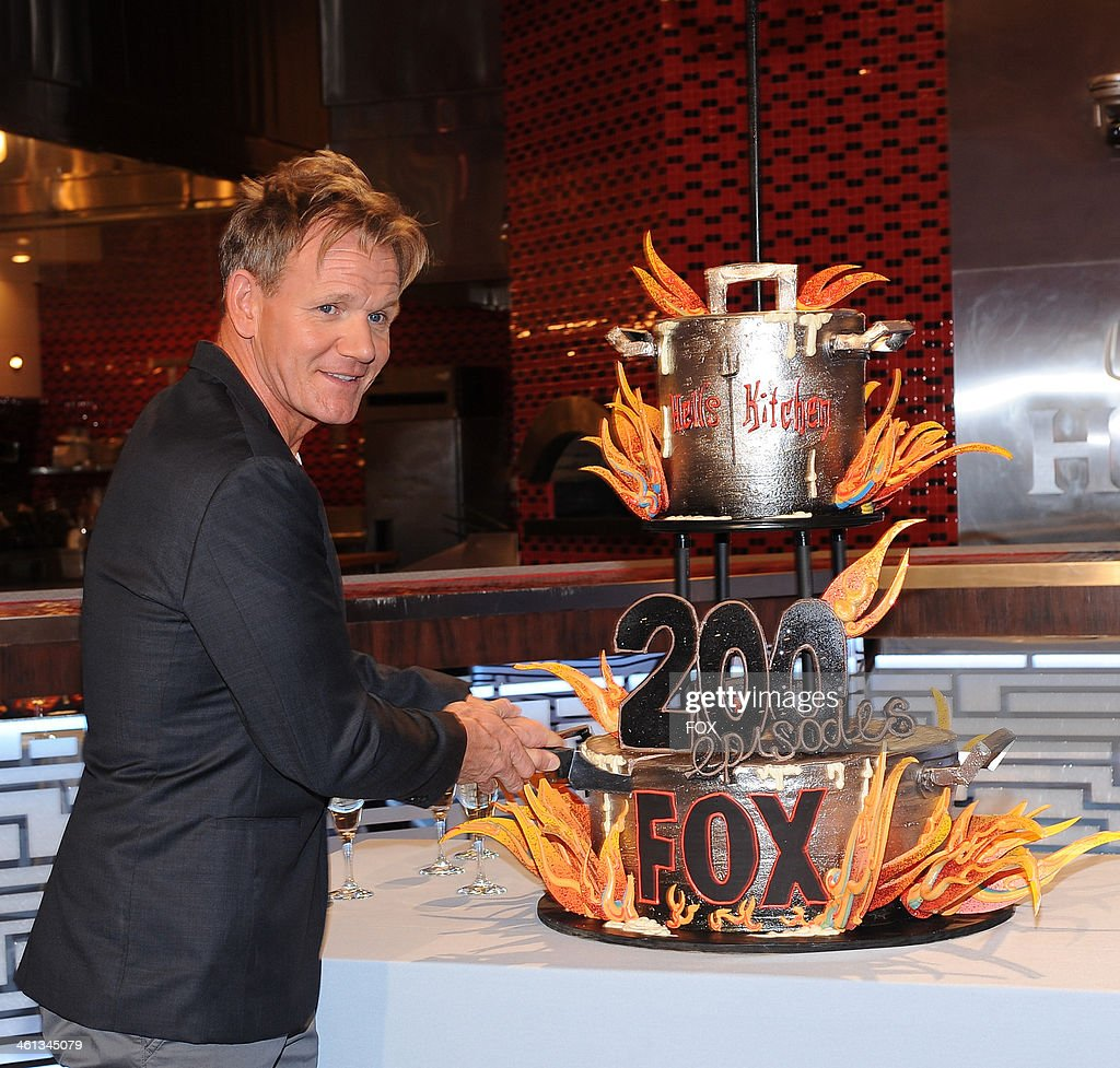 Fox 39 s hell 39 s kitchen season twelve getty images for Kitchen set los angeles