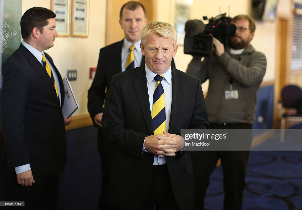 <a gi-track='captionPersonalityLinkClicked' href=/galleries/search?phrase=Gordon+Strachan&family=editorial&specificpeople=243133 ng-click='$event.stopPropagation()'>Gordon Strachan</a> (C) attends a press conference to be officially presented as the new national team coach of Scotland at Hampden Park Stadium on January 15, 2013 in Glasgow, Scotland.