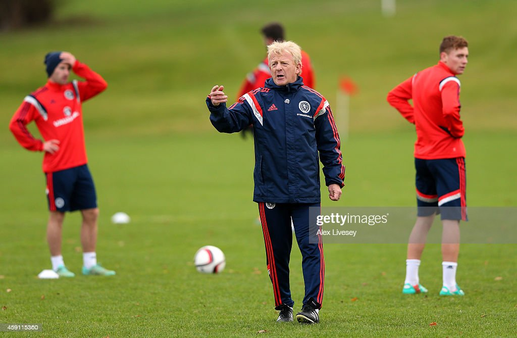 GLASGOW, SCOTLAND - NOVEMBER 17 Gordon Strachan the manager of Scotland directs his players during a training session at Mar Hall Hotel in Bishopton on November 17, 2014 in Glasgow, Scotland.