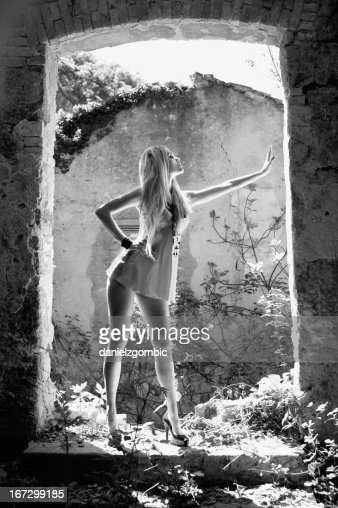 Gorgeous blond girl posing : Stock Photo