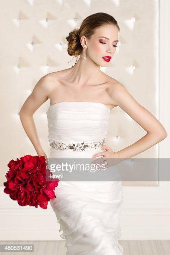 美しい花嫁のホワイトルーム : ストックフォト