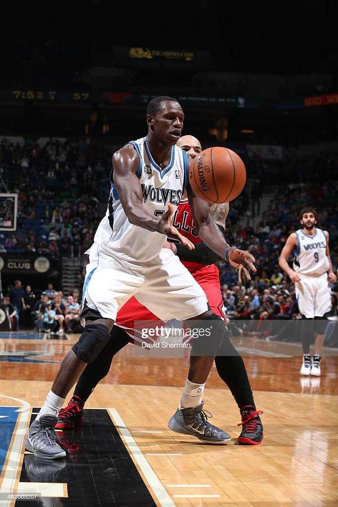 Gorgui Dieng #5 of the Minnesota Timberwolves passes the ball against the Chicago Bulls during the game on April 9, 2014 at Target Center in Minneapolis, Minnesota.