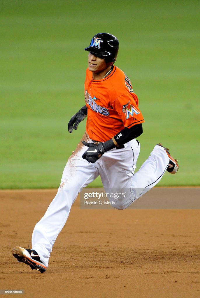 Gorkys Hernandez #2 of the Miami Marlins runs to third base during a MLB game against the New York Mets at Marlins Park on October 3, 2012 in Miami, Florida.