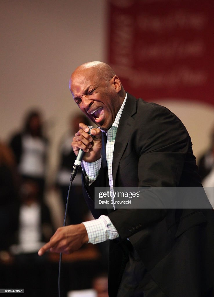 Gospel artist <a gi-track='captionPersonalityLinkClicked' href=/galleries/search?phrase=Donnie+McClurkin&family=editorial&specificpeople=227367 ng-click='$event.stopPropagation()'>Donnie McClurkin</a> performs at The First Cathedral during a live recording of JJ Hairston & Youthful Praise's seventh album 'I See Victory' on November 4, 2013 in Bloomfield, Connecticut.