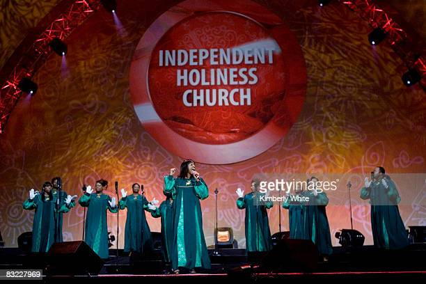 Gospel singers perform during the 2008 Verizon Wireless 'How Sweet the Sound' gospel tour at the Oracle Arena October 10 2008 in Oakland California