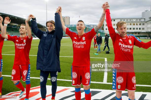 Goteborg celebrates after the victory of the Allsvenskan match between GIF Sundsvall and IFK Goteborg at Idrottsparken on May 22 2017 in Sundsvall...