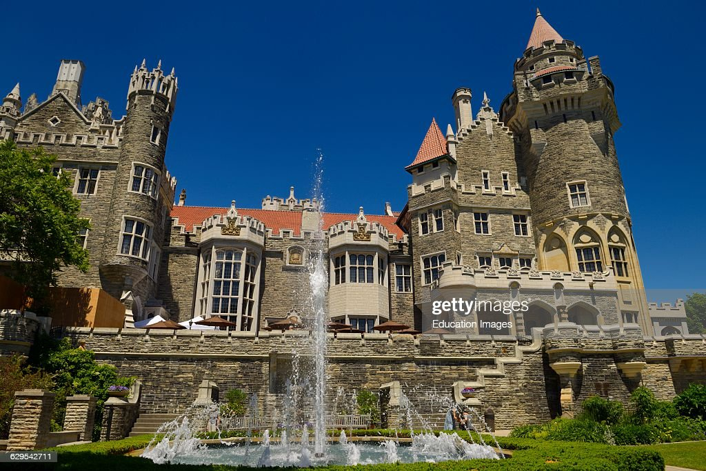 Gothic revival architecture of casa loma castle in toronto for Casa loma mansion toronto