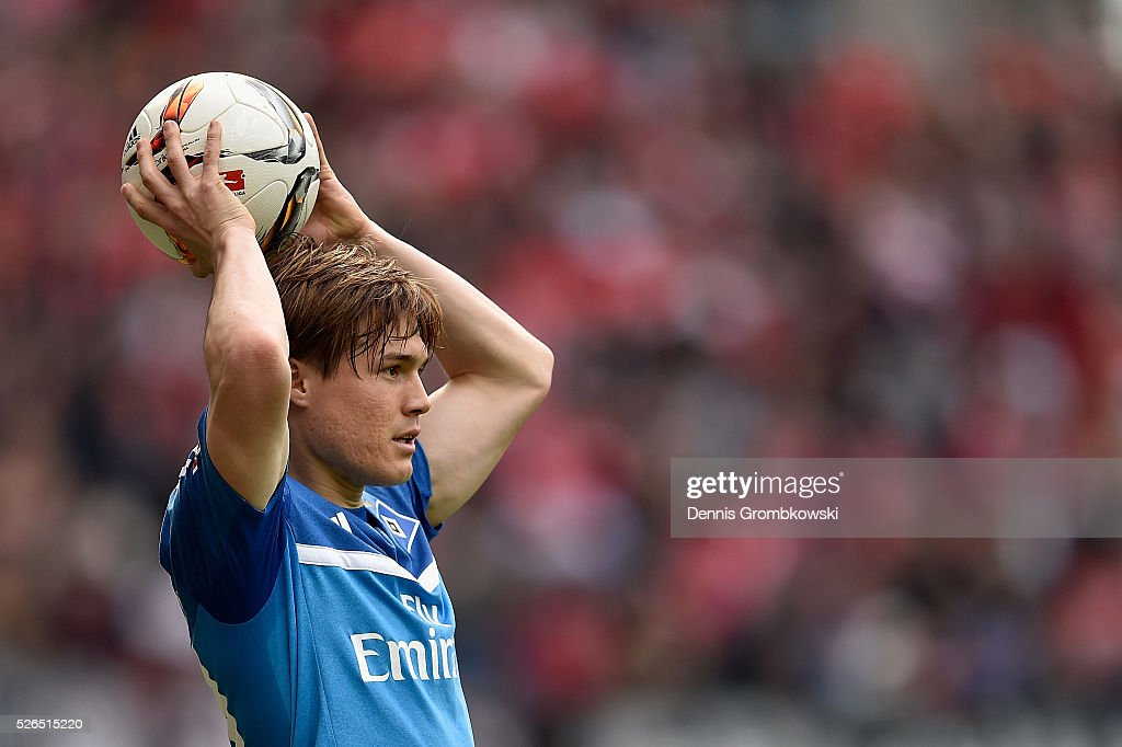 Gotoku Sakai of Hamburger SV looks on during the Bundesliga match between 1. FSV Mainz 05 and Hamburger SV at Coface Arena on April 30, 2016 in Mainz, Germany.