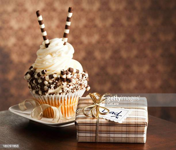 Gourmet Cupcake and Gift for Dad