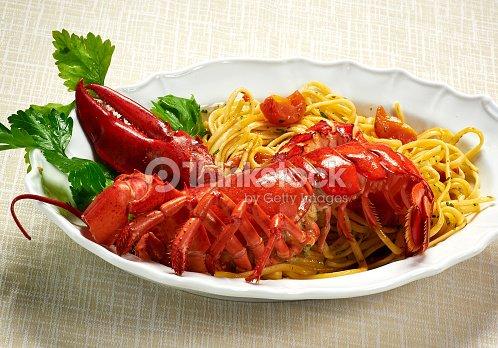 Langosta con platos gourmet linguine pastas en placa foto - Platos gourmet economicos ...