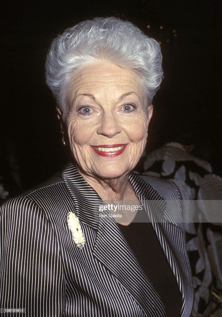 Ann Richards during A Gala Evening of Reading - May 14, 2001 at Viv... Show more - gov-ann-richards-during-a-gala-evening-of-reading-may-14-2001-at-picture-id106131814