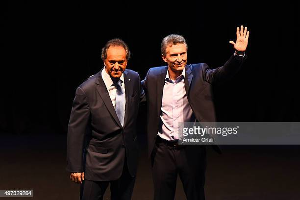 Governor of Buenos Aires and presidential candidate for Frente para la Victoria Daniel Scioli and Mauricio Macri Mayor of Buenos Aires and...