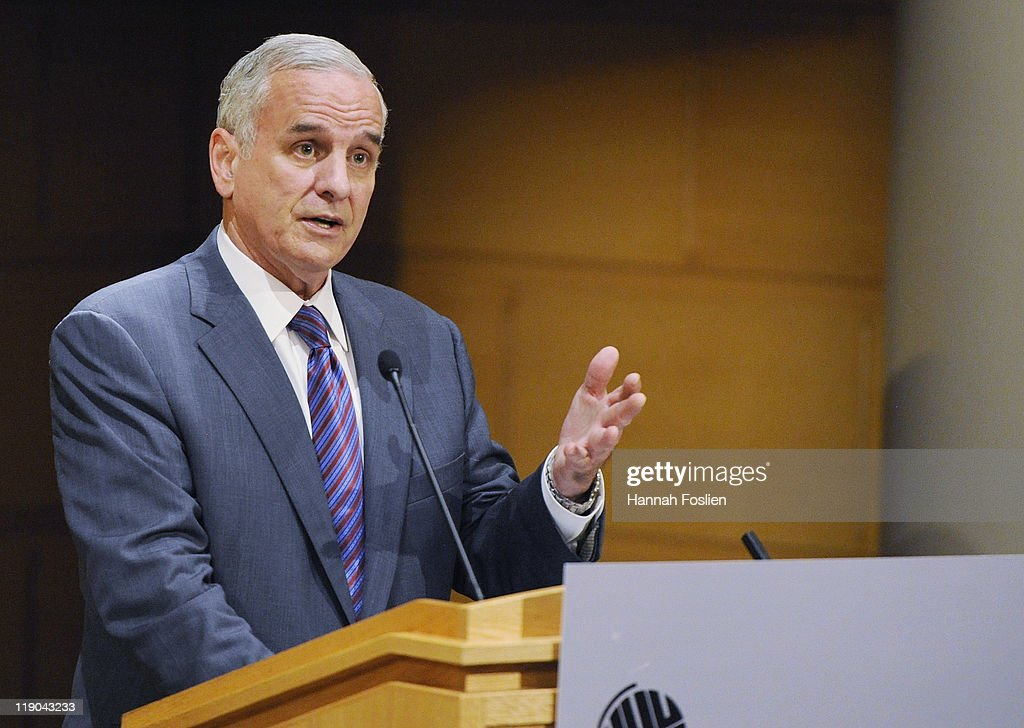 Governor of Minnesota <a gi-track='captionPersonalityLinkClicked' href=/galleries/search?phrase=Mark+Dayton&family=editorial&specificpeople=612750 ng-click='$event.stopPropagation()'>Mark Dayton</a> speaks to Policy Fellows at the Humphrey School of Public Affairs on July 14, 2011 in Minneapolis, Minnesota. The state of Minnesota shut down state services after Republicans and Democrats failed to come to an agreement on the budget.