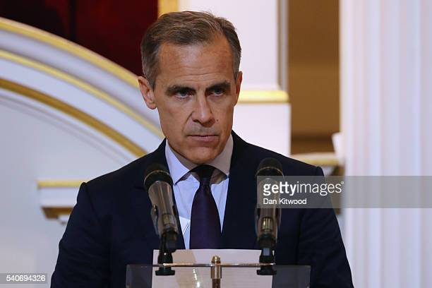 Governor of the Bank of England Mark Carney makes a brief speech ahead of the annual 'Dinner to the Bankers and Merchants' at The Mansion House on...