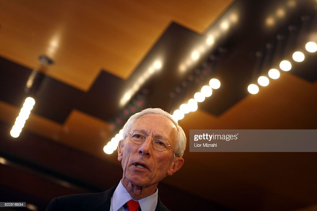 Governor of the Bank of Israel Professor <a gi-track='captionPersonalityLinkClicked' href=/galleries/search?phrase=Stanley+Fischer&family=editorial&specificpeople=233518 ng-click='$event.stopPropagation()'>Stanley Fischer</a> speaks to reporters on December 01, 2008 in Jerusalem, Israel.