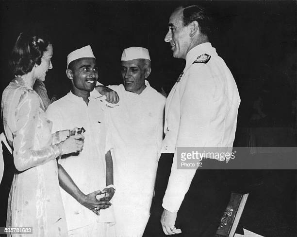 GovernorGeneral Lord Mountbatten and Lady Mountbatten with Pandit Nehru in NewDelhi June 19 1948 India