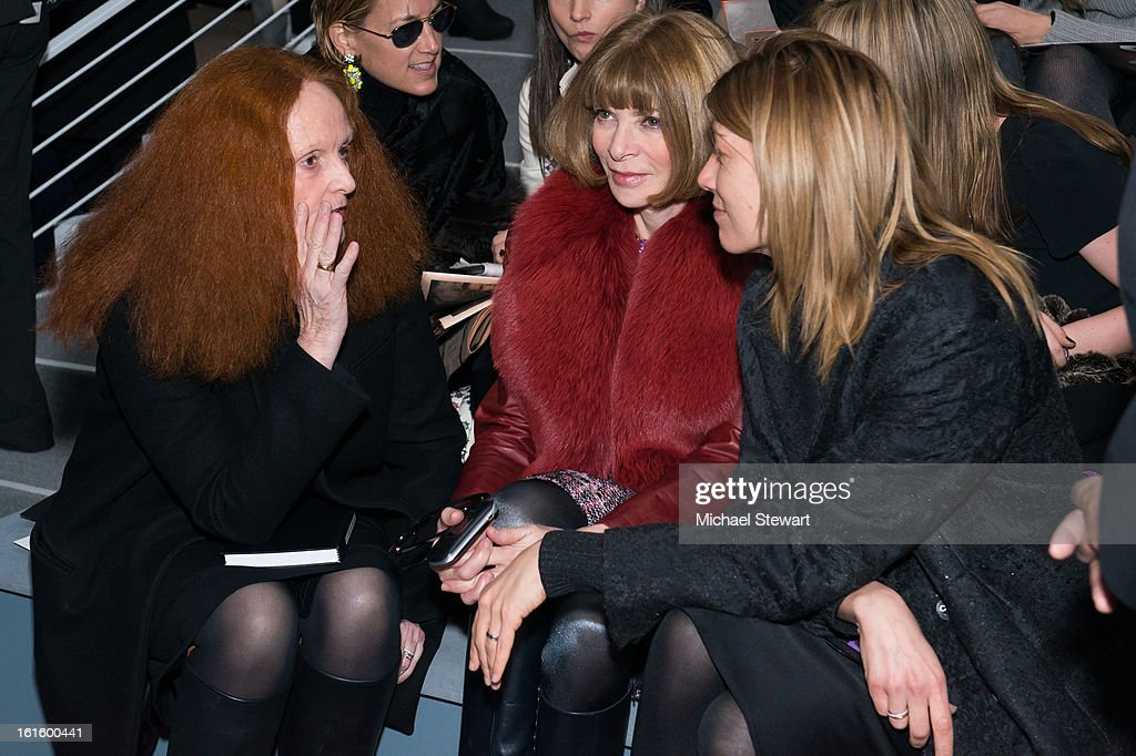 <a gi-track='captionPersonalityLinkClicked' href=/galleries/search?phrase=Grace+Coddington&family=editorial&specificpeople=1706831 ng-click='$event.stopPropagation()'>Grace Coddington</a>, Vogue Editor-in-chief Anaa Wintour and <a gi-track='captionPersonalityLinkClicked' href=/galleries/search?phrase=Virginia+Smith&family=editorial&specificpeople=220533 ng-click='$event.stopPropagation()'>Virginia Smith</a> attend Vera Wang during fall 2013 Mercedes-Benz Fashion Week at The Stage at Lincoln Center on February 12, 2013 in New York City.