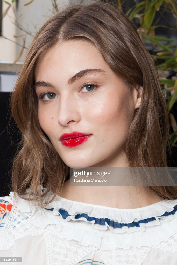 Grace Elizabeth is seen ahead of the Philosophy By Lorenzo Serafini show during Milan Fashion Week Spring/Summer 2018 on September 23, 2017 in Milan, Italy.