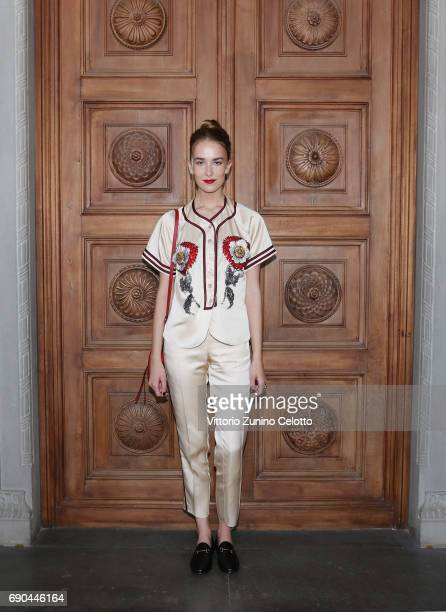 Grace Johnson arrives at the Gucci Cruise 2018 fashion show at Palazzo Pitti on May 29 2017 in Florence Italy