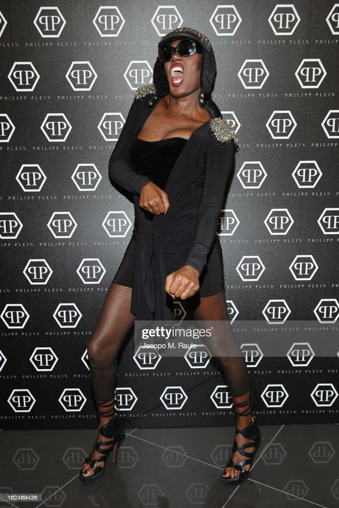 <a gi-track='captionPersonalityLinkClicked' href=/galleries/search?phrase=Grace+Jones+-+Artista&family=editorial&specificpeople=156417 ng-click='$event.stopPropagation()'>Grace Jones</a> attends the Philipp Plein fashion event during Milan Fashion Week Womenswear Fall/Winter 2013/14 at the Teatro Alcione on February 23, 2013 in Milan, Italy.