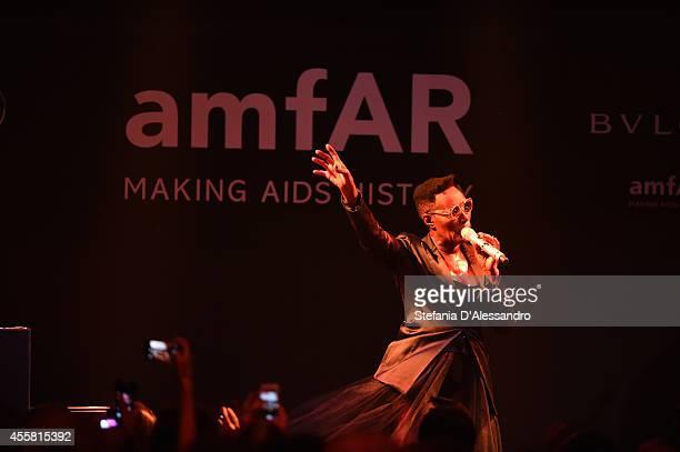 MILAN ITALY SEPTEMBER 20 Grace Jones performs during the amfAR Milano 2014 Gala Dinner and Auction as part of Milan Fashion Week Womenswear...