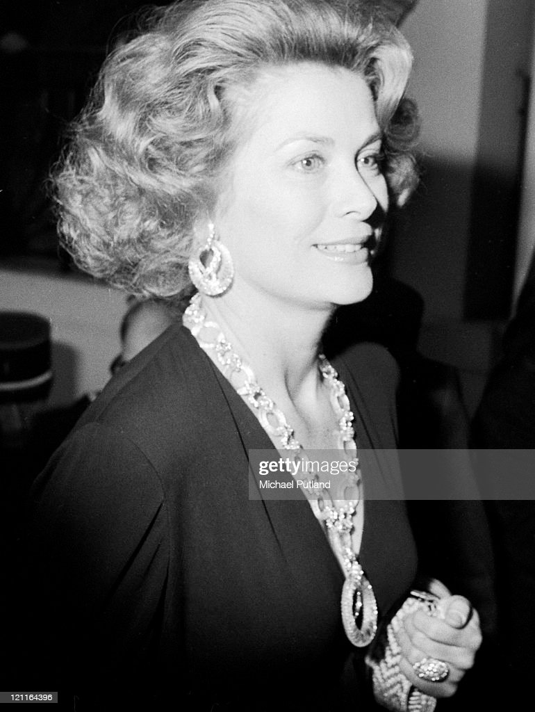 <a gi-track='captionPersonalityLinkClicked' href=/galleries/search?phrase=Grace+Kelly+-+Actress&family=editorial&specificpeople=70044 ng-click='$event.stopPropagation()'>Grace Kelly</a>, Princess Grace of Monaco, appears at a Gala in Paris, 1974.