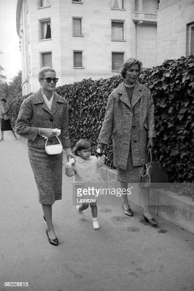 Grace of Monaco and her daughter Caroline October 1959