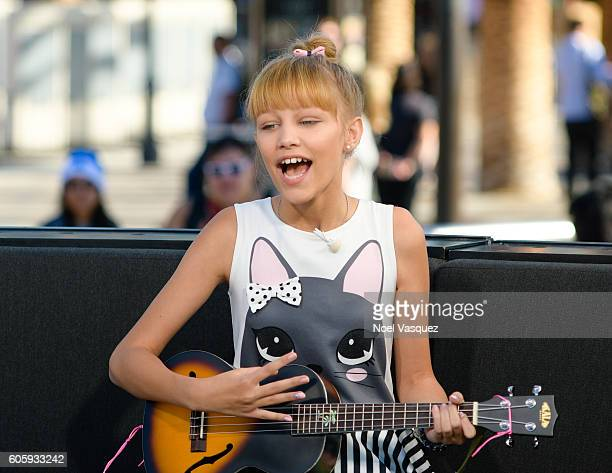 Grace Vanderwaal performs at 'Extra' at Universal Studios Hollywood on September 15 2016 in Universal City California