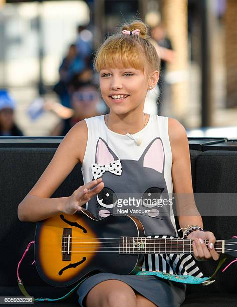 Grace Vanderwaal visits 'Extra' at Universal Studios Hollywood on September 15 2016 in Universal City California