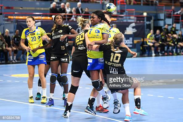 issy paris v metz handball photos and images getty images. Black Bedroom Furniture Sets. Home Design Ideas
