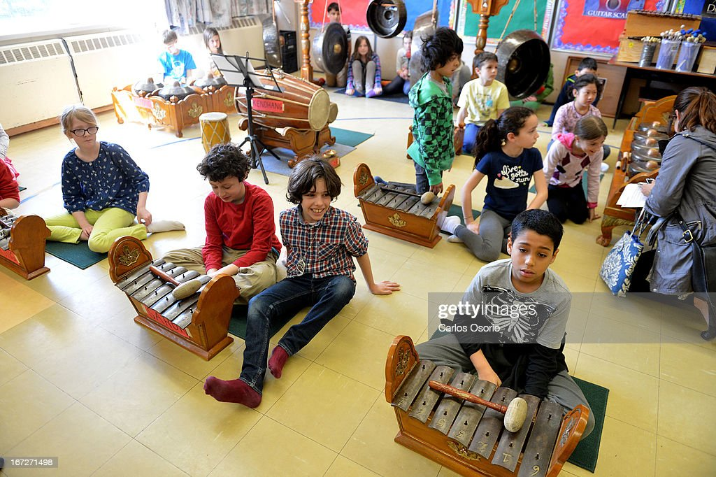 A grade 4 music class at Dewson Street Public School during a Gamelan lesson. A gamelan is a traditional musical ensemble from Indonesia People for Education releasing a report on the arts in Ontario schools, which shows fewer music teachers and less access to bands/choirs for kids. The number of music teachers is the lowest it has been since the past decade.