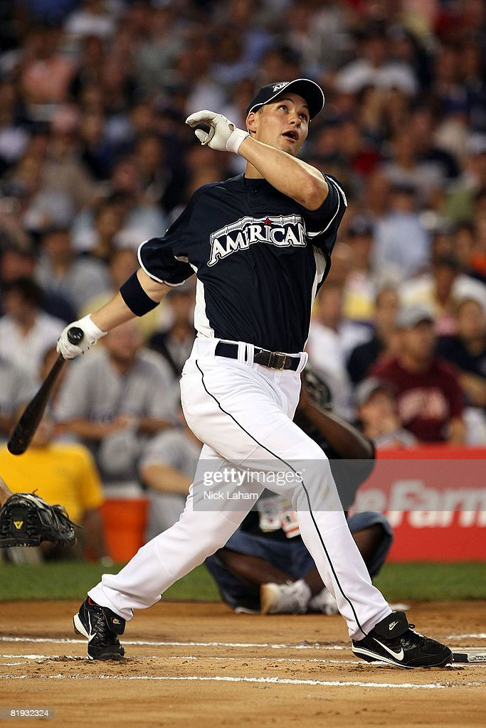 Grady Sizemore of the Cleveland Indians hits during the 2008 MLB All-Star State Farm Home Run Derby at Yankee Stadium on July 14, 2008 in the Bronx borough of New York City.