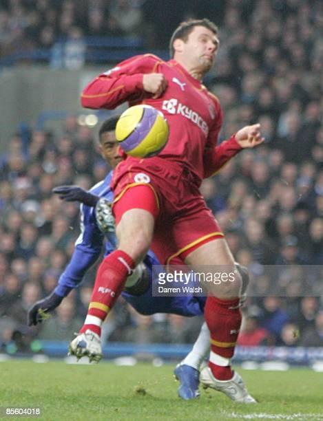 Graeme Murty Reading and Salomon Kalou Chelsea battle for the ball