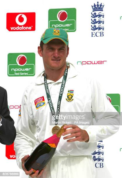 Graeme Smith celebrates being named as South Africa's man of the series after Englands win in the 5th npower test at The Oval and drawing the series