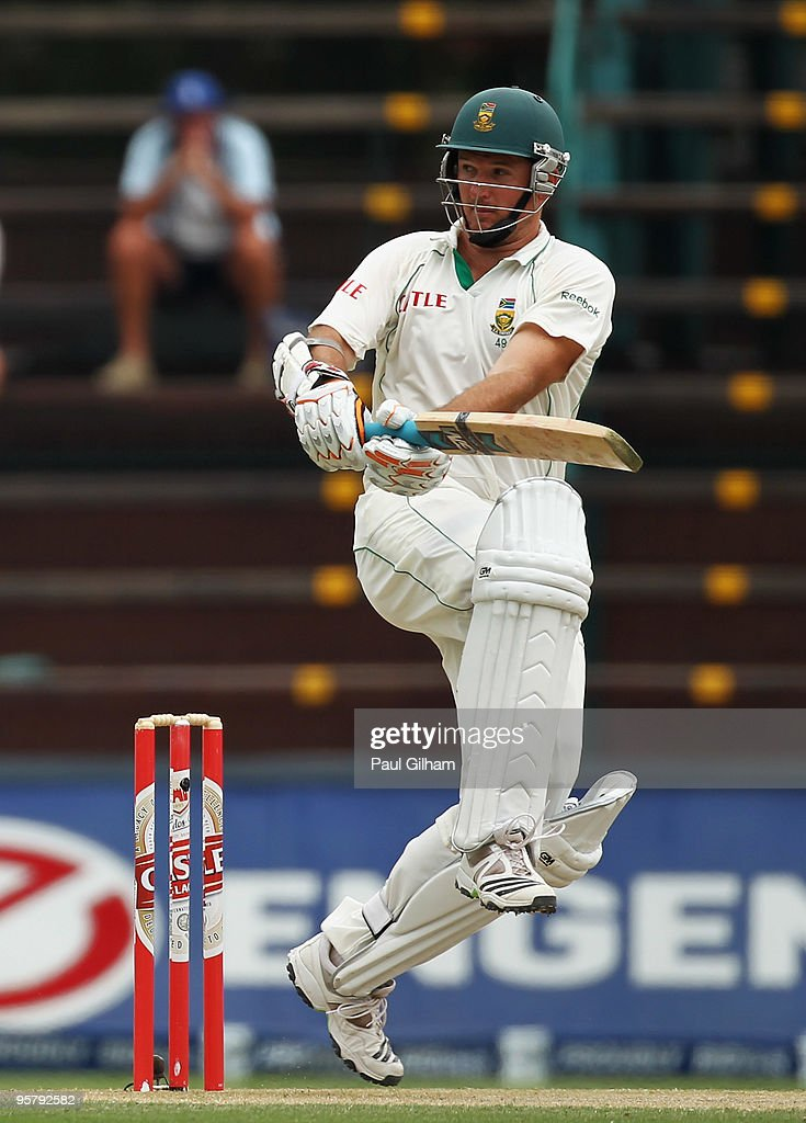 <a gi-track='captionPersonalityLinkClicked' href=/galleries/search?phrase=Graeme+Smith+-+Cricket+Player&family=editorial&specificpeople=193816 ng-click='$event.stopPropagation()'>Graeme Smith</a> of South Africa hits out during day two of the fourth test match between South Africa and England at The Wanderers Cricket Ground on January 15, 2010 in Johannesburg, South Africa.