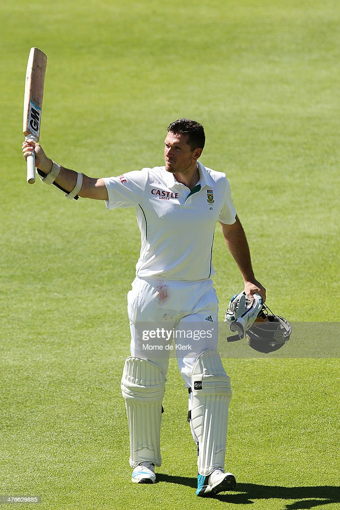 <a gi-track='captionPersonalityLinkClicked' href=/galleries/search?phrase=Graeme+Smith&family=editorial&specificpeople=193816 ng-click='$event.stopPropagation()'>Graeme Smith</a> of South Africa leaves the field after getting out to Mitchell Johnson of Australia during day 4 of the third test match between South Africa and Australia at Sahara Park Newlands on March 4, 2014 in Cape Town, South Africa.