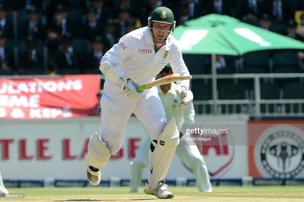 <a gi-track='captionPersonalityLinkClicked' href=/galleries/search?phrase=Graeme+Smith&family=editorial&specificpeople=193816 ng-click='$event.stopPropagation()'>Graeme Smith</a> of South Africa makes his 1st single run in his 100th test as captain during day 1 of the first Test match between South Africa and Pakistan at Bidvest Wanderers Stadium on February 01, 2013 in Johannesburg, South Africa.