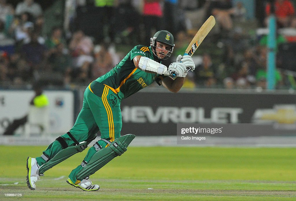 <a gi-track='captionPersonalityLinkClicked' href=/galleries/search?phrase=Graeme+Smith&family=editorial&specificpeople=193816 ng-click='$event.stopPropagation()'>Graeme Smith</a> of South Africa plays to square-leg during the 2nd One Day International match between South Africa and New Zealand at De Beers Diamond Oval on January 22, 2013 in Kimberley, South Africa.