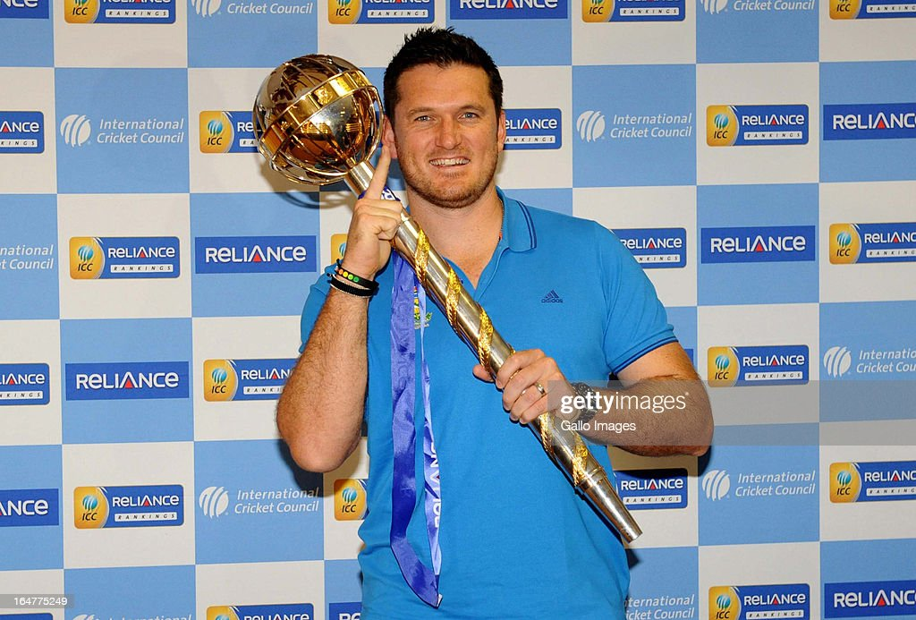 <a gi-track='captionPersonalityLinkClicked' href=/galleries/search?phrase=Graeme+Smith&family=editorial&specificpeople=193816 ng-click='$event.stopPropagation()'>Graeme Smith</a> of South Africa poses with the Mace during the ICC Test Championship mace handover, at Bidvest Wanderers Stadium on March 28, 2013 in Johannesburg, South Africa.