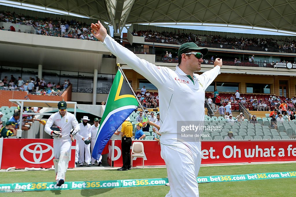 Graeme Smith of South Africa takes to the field after lunch during day four of the Second Test Match between Australia and South Africa at Adelaide Oval on November 25, 2012 in Adelaide, Australia.
