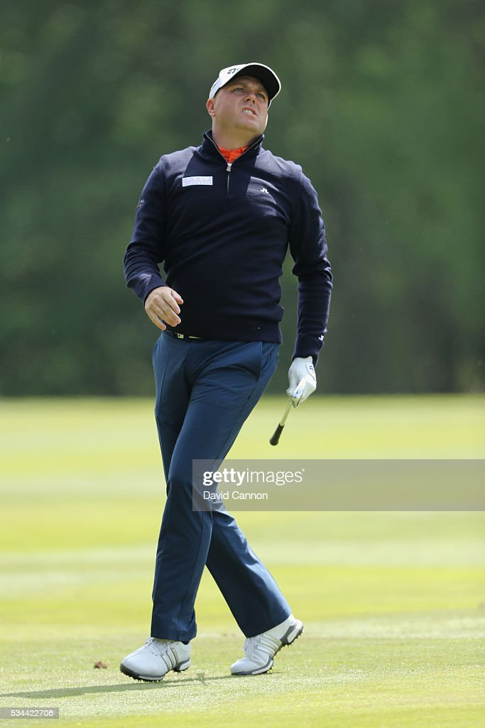 <a gi-track='captionPersonalityLinkClicked' href=/galleries/search?phrase=Graeme+Storm&family=editorial&specificpeople=238970 ng-click='$event.stopPropagation()'>Graeme Storm</a> of England watches his 2nd shot on the 9th hole during day one of the BMW PGA Championship at Wentworth on May 26, 2016 in Virginia Water, England.