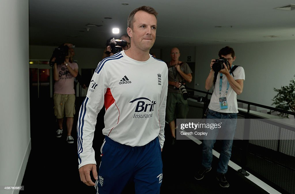 <a gi-track='captionPersonalityLinkClicked' href=/galleries/search?phrase=Graeme+Swann&family=editorial&specificpeople=578767 ng-click='$event.stopPropagation()'>Graeme Swann</a> of England arrives at a press conference to announce his retirement from all forms of cricket at Melbourne Cricket Ground on December 22, 2013 in Melbourne, Australia.
