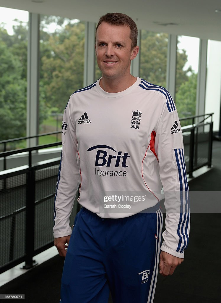 <a gi-track='captionPersonalityLinkClicked' href=/galleries/search?phrase=Graeme+Swann&family=editorial&specificpeople=578767 ng-click='$event.stopPropagation()'>Graeme Swann</a> of England arrives for a press conference to announce his retirement from all forms of cricket at Melbourne Cricket Ground on December 22, 2013 in Melbourne, Australia.